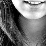 口内炎が原因に?難病のべーチェット病の症状と治療法について解説